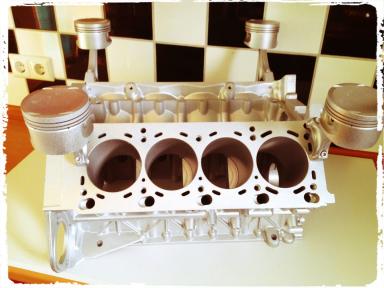 Motortisch Motor Tisch Designmbel V6 V8